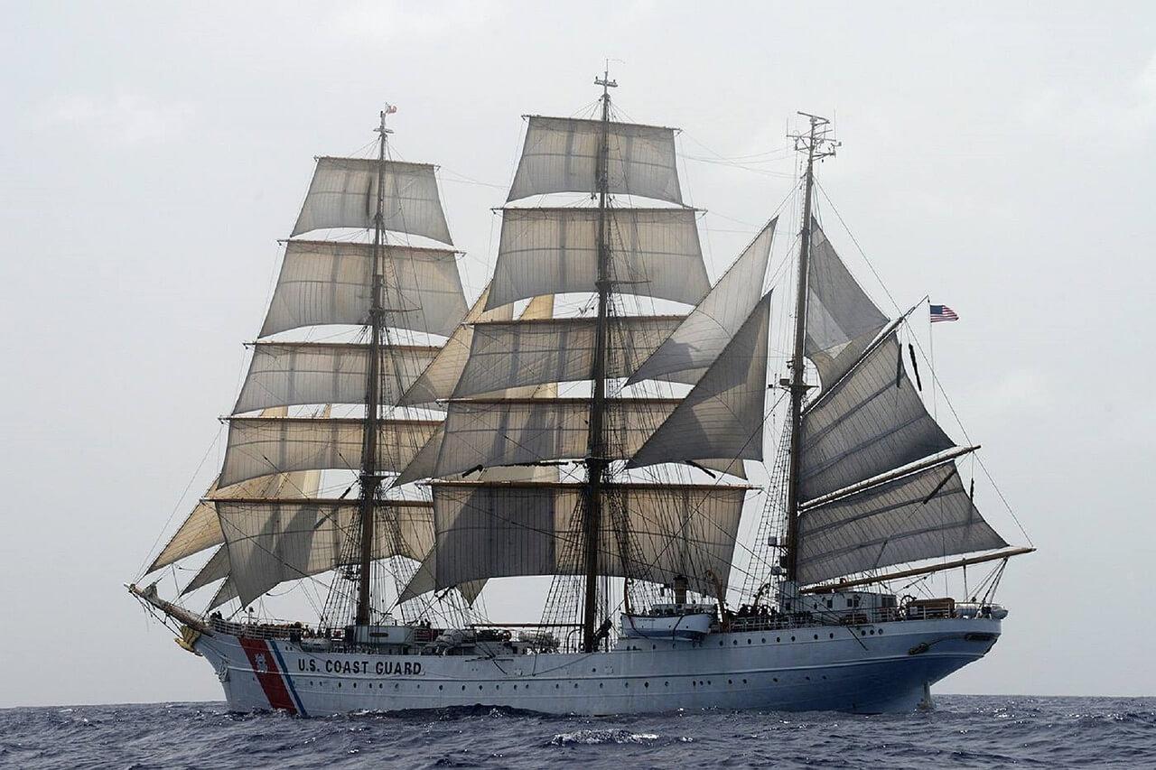 ship-759938_1280