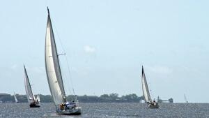 sailboat-1303546_1280