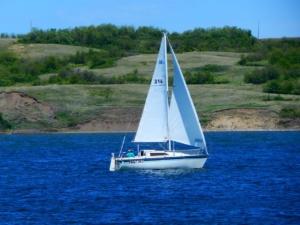 sail-boat-1409720_1280